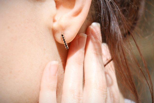 black diamond rose gold earrings